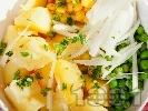 Рецепта Картофена салата с грах, царевица и лук